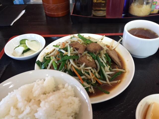 南京亭のレバーニラ定食